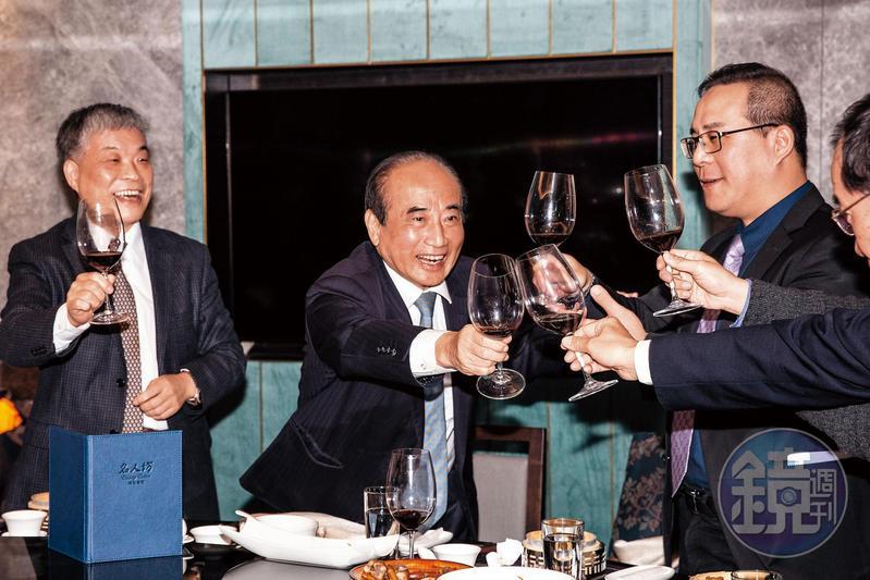 今年大年初六,王金平在黃光芹節目表達參選決心,當晚即赴醫療器材同業公會春酒積極拜票。