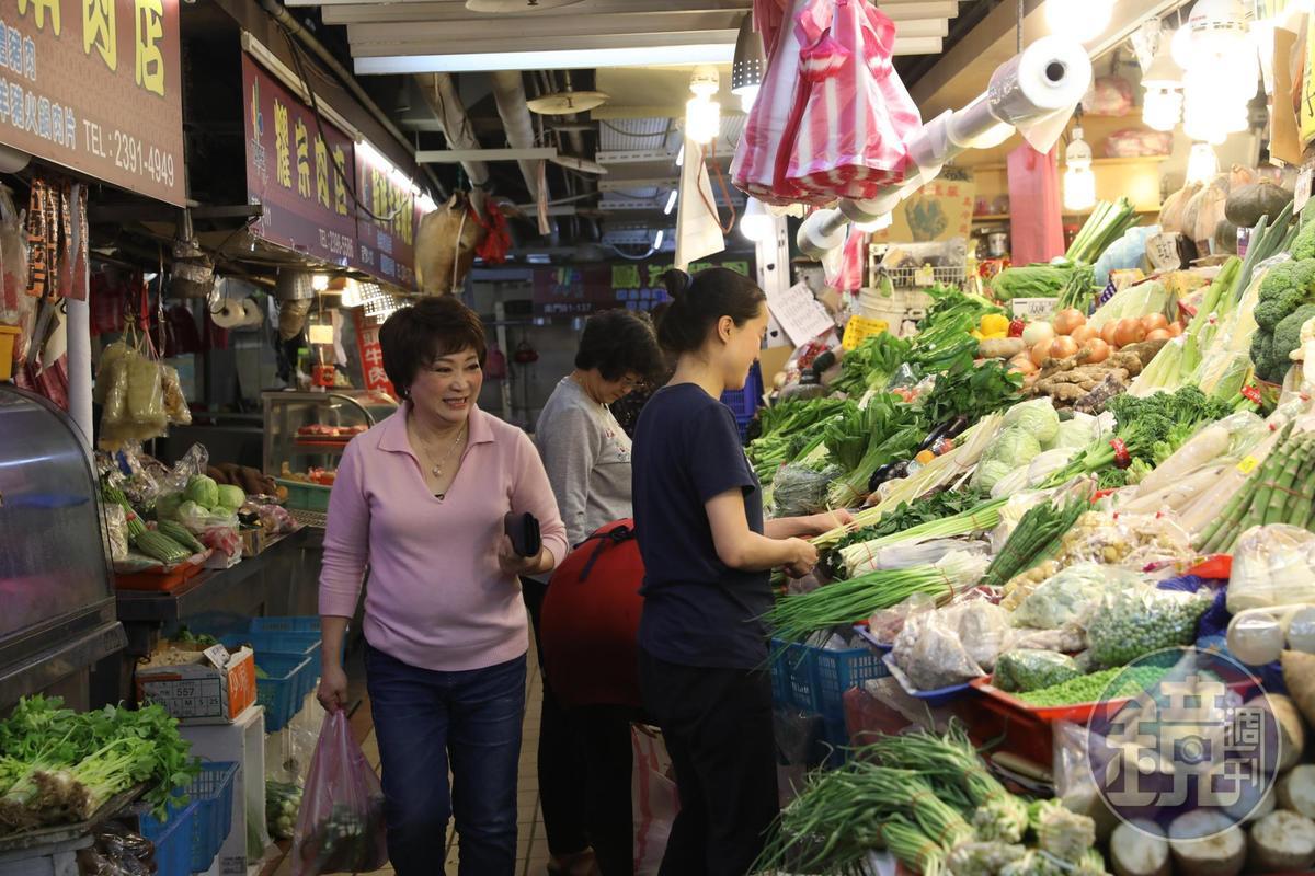 傅培梅的女兒、烹飪老師程安琪形容「南門市場是媽媽的市場」,這裡有許多她和母親一起的回憶。