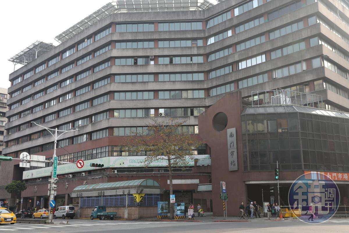南門市場大樓陳舊,確定於2019年10月拆遷改建。