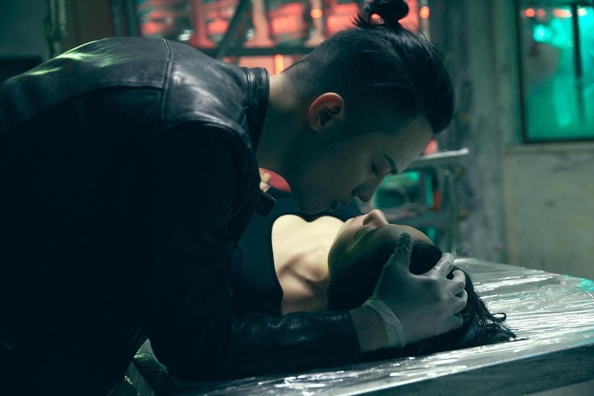 J.Sheon扮演連續殺人犯,舉手投足都很有殺氣。(相信音樂提供)