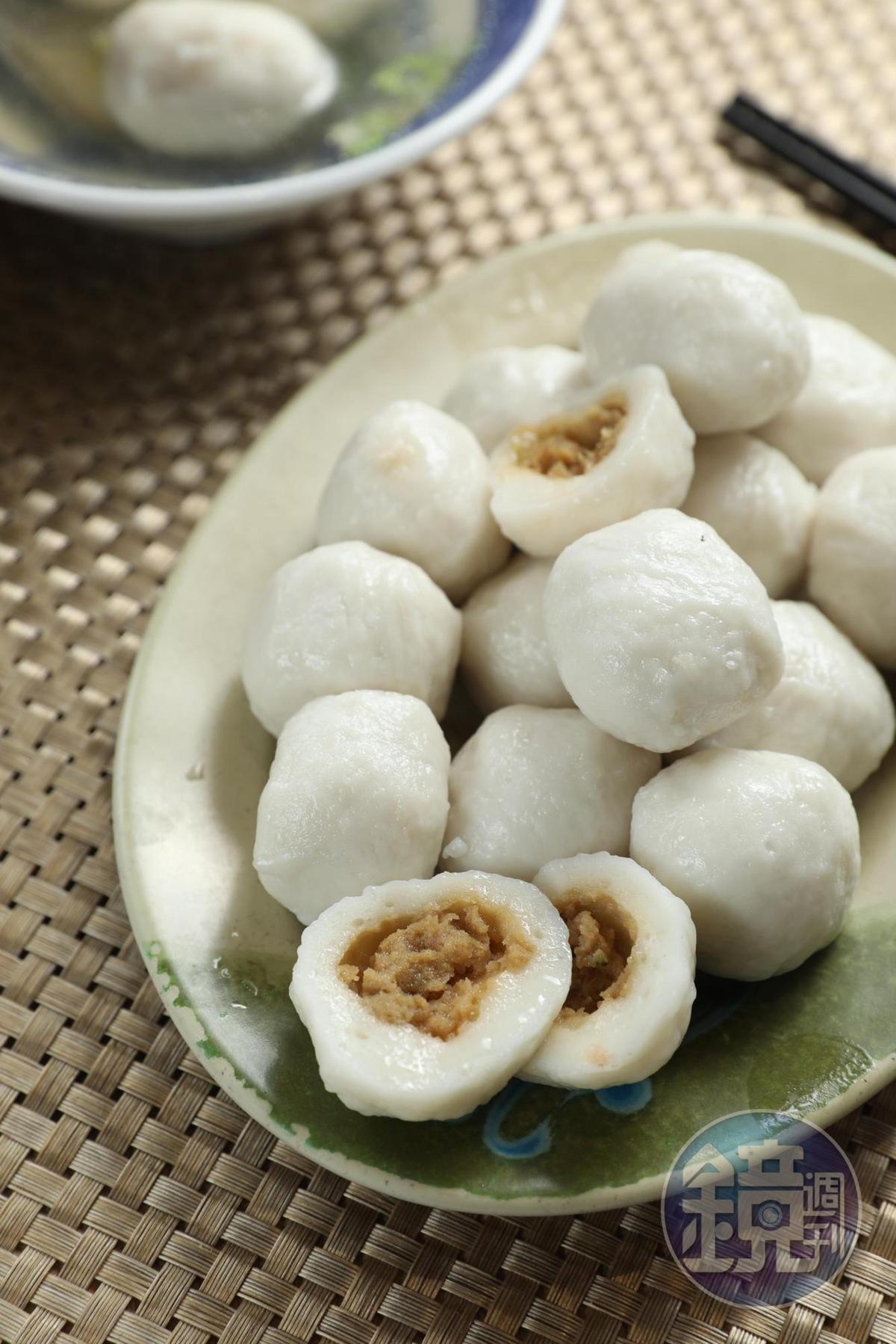 皮彈鮮甜的「福州魚丸」,咬下時餡肉香潤。(雅方,190元/斤)