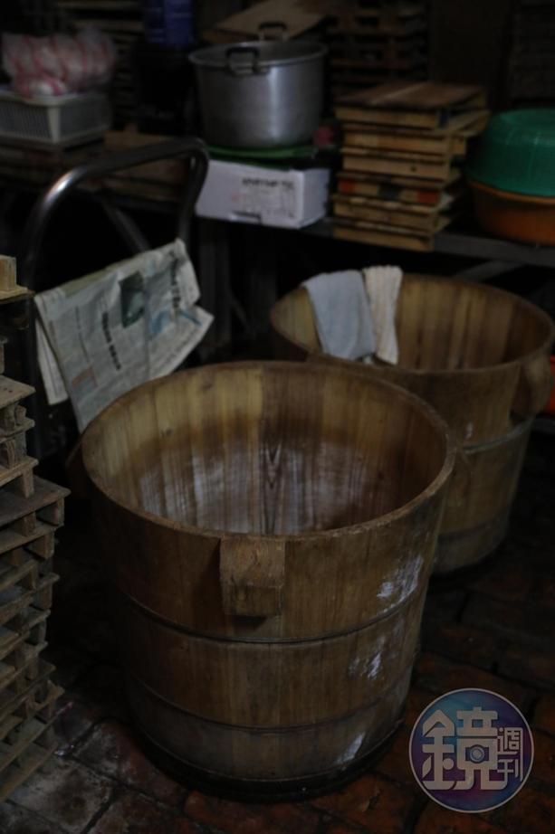 「阿香豆腐」至今仍使用木桶製作豆漿、豆腐,店家認為古法可帶來醇厚口感。