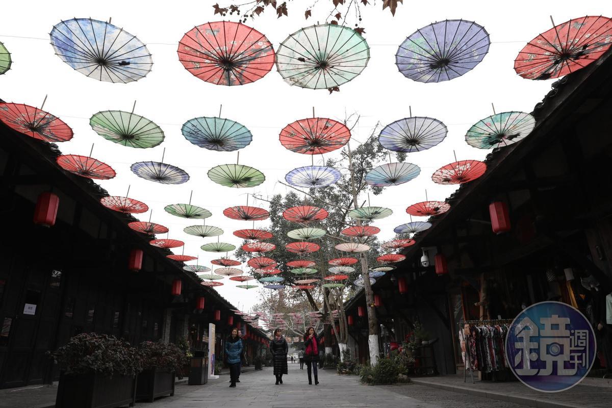 安仁古鎮保留了比較古樸的風味,冬日裡遊逛,分外有味道。