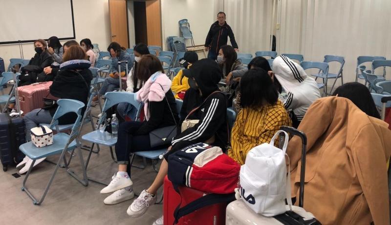 警方共逮捕20名泰籍女子、1名台籍女子,6名嫖客(警方提供)