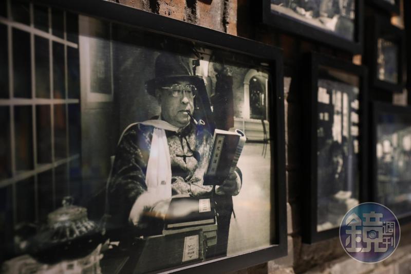 古典氣息十足的「安仁書院」,裡頭展示的民國老照片也與閱讀有關。