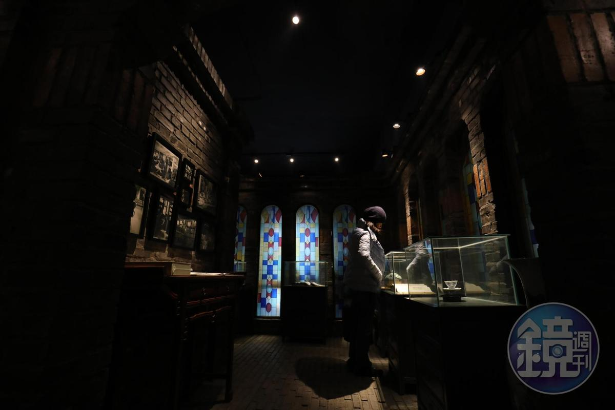 書院裡展示了許多民國時期的老物件。