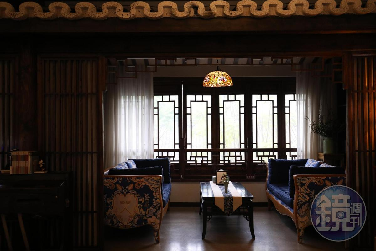 窗邊的復古卡座,適合悠哉喝茶聊天。