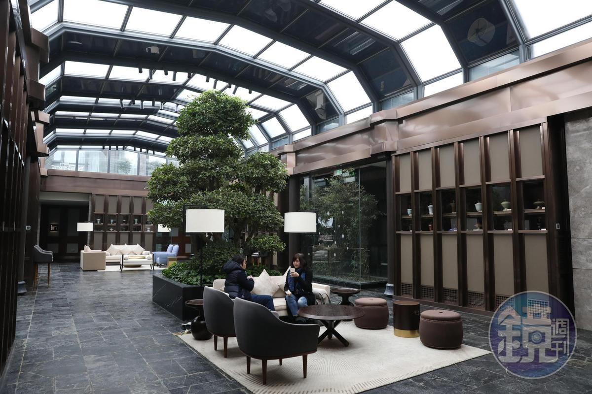 「安仁公館」的「錦舍」由錢幣博物館改建而成,大廳很氣派。