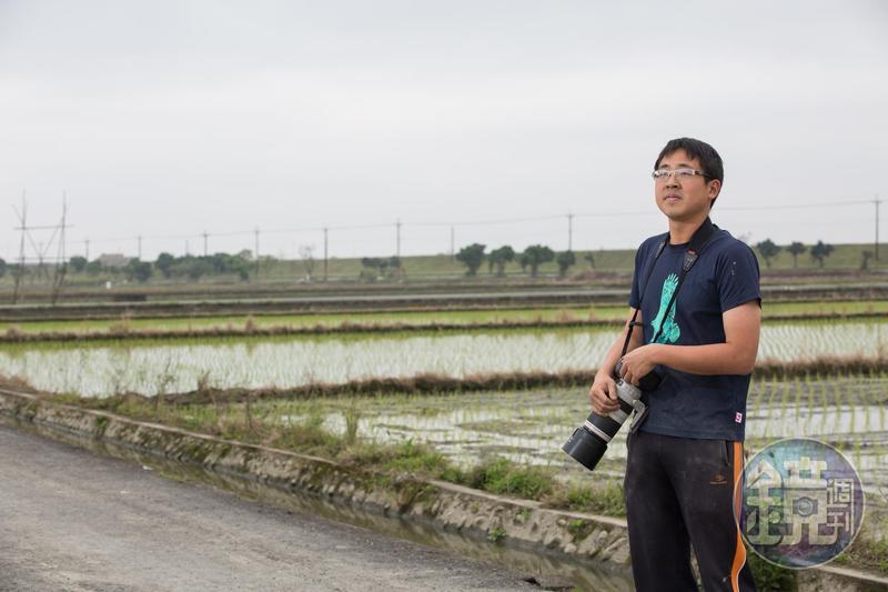 林哲安10歲迷上賞鳥,因為看見棲地被破壞、鳥的數量漸少,發奮讀書考上台大想找出解決的方法。