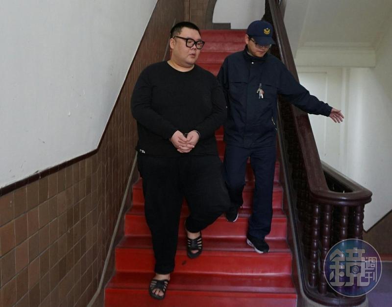 土豪哥朱家龍前年在W飯店開毒趴,造成郭姓小模身亡,他已與死者家屬和解。