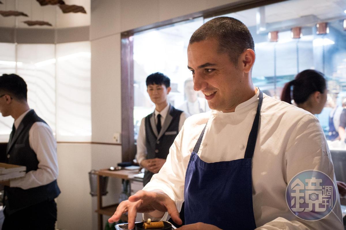 Julien Royer以細緻的法菜手法與美感深獲饕客青睞。