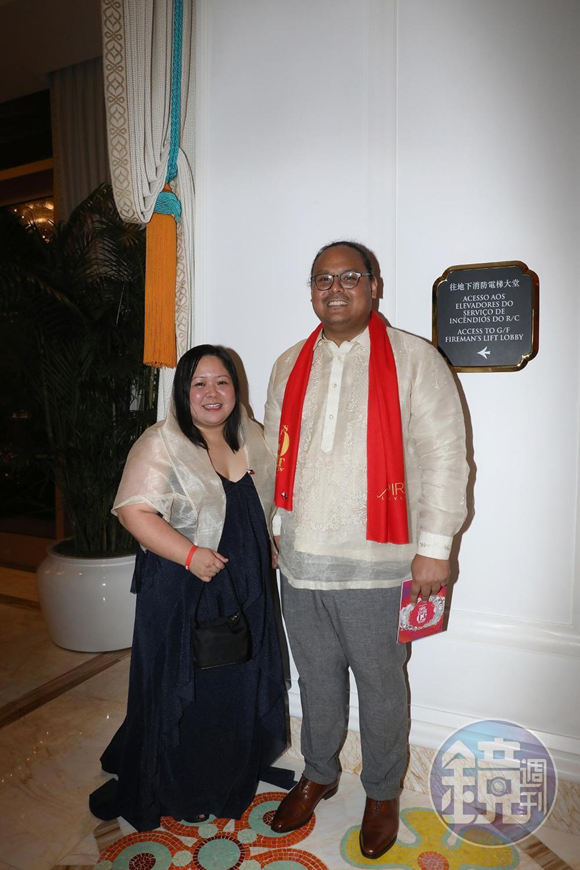 去年獲得「最值得關注獎」的菲律賓餐廳Toyo Eatery今年名列43,主廚Jordy Navarra攜手太太一同前往頒獎會場。