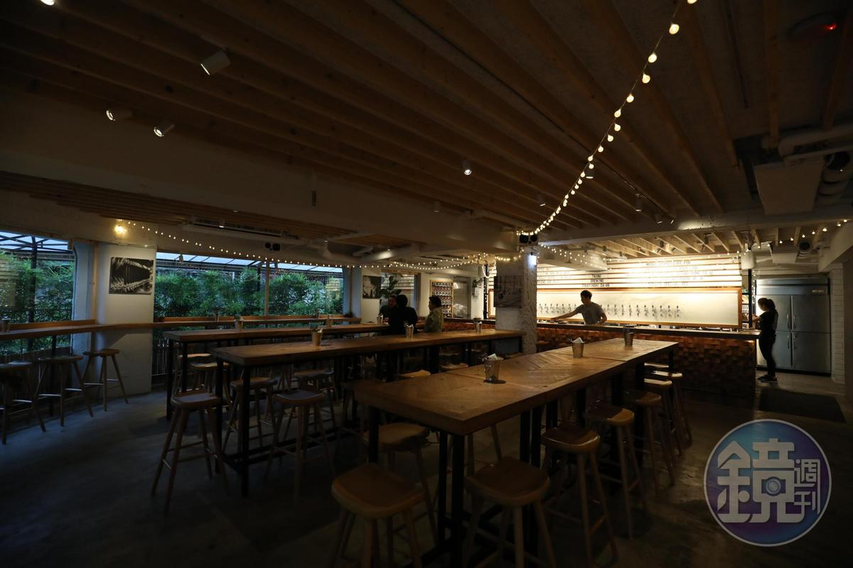 低調開幕的「啜飲室大安」是「臺虎精釀」品牌裡的首家餐酒館。