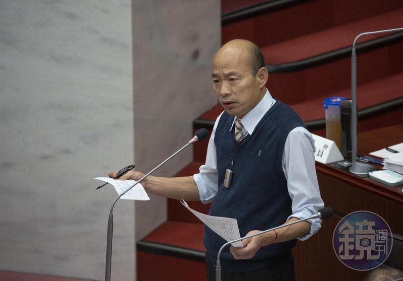 韓國瑜罕見動怒回嗆議員,「你們在自己嚇自己,你們對台灣的民主政治一點信心都沒有。」