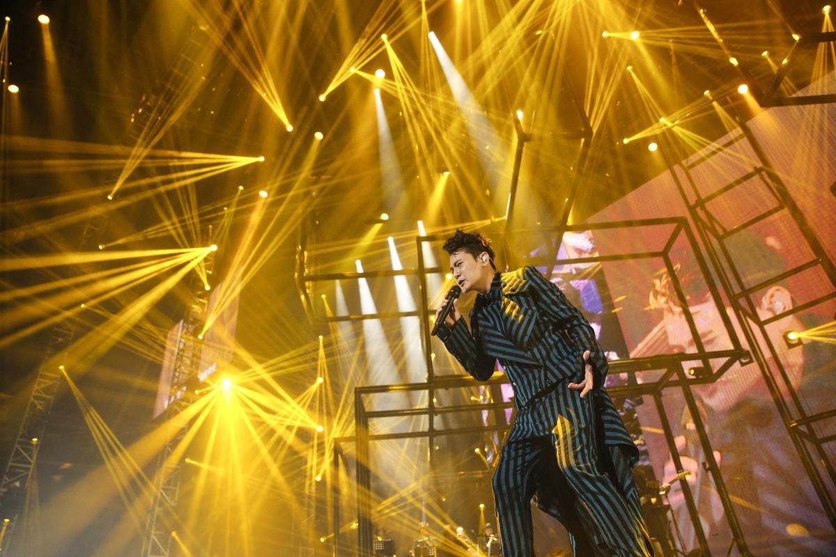 第2次站上台北小巨蛋開唱,張信哲的歌唱事業從台灣展開、這幾年紅遍中國大陸,開唱邀約不斷。(潮水音樂提供)