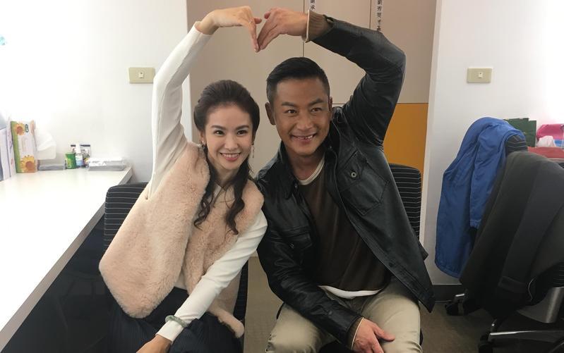 江宏恩在戲裡與人妻陳曉菁有不少親密鏡頭,戲外兩人交情也不錯。(三立提供)