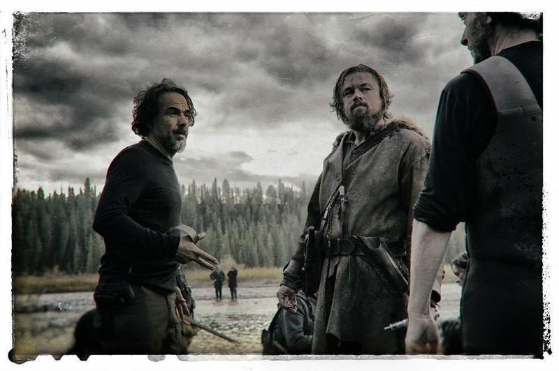 CATCHPLAY投資好萊塢電影《神鬼獵人》,讓導演阿利安卓崗札雷伊納利圖(左)和男主角李奧納多狄卡皮歐(中)雙雙獲金球獎及奧斯卡肯定。(CATCHPLAY提供)