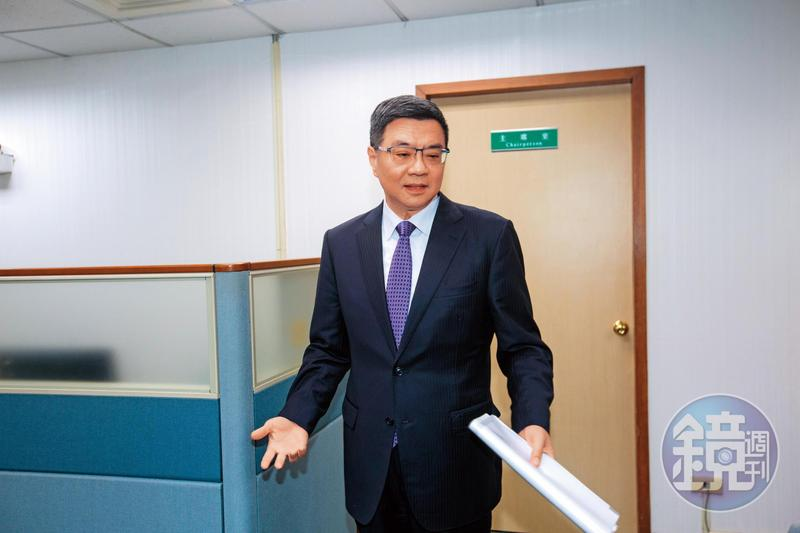 面對蔡賴協調難題,民進黨主席卓榮泰(圖)也成黨內箭靶,遭英系人士私下責難。
