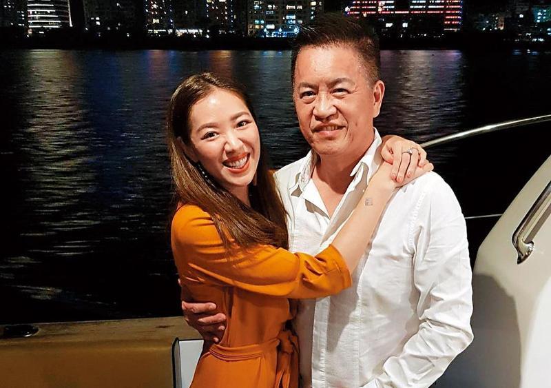 劉伊心(左)與林志隆(右)2017年結婚,結婚快2年的她,日前公布已懷孕5個月,腹中是個小女娃。(翻攝自劉伊心IG)