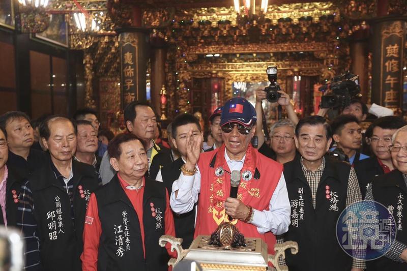 郭台銘說,媽祖告訴他要出來為台灣做事情、服務人民,一定會遵守媽祖指示。