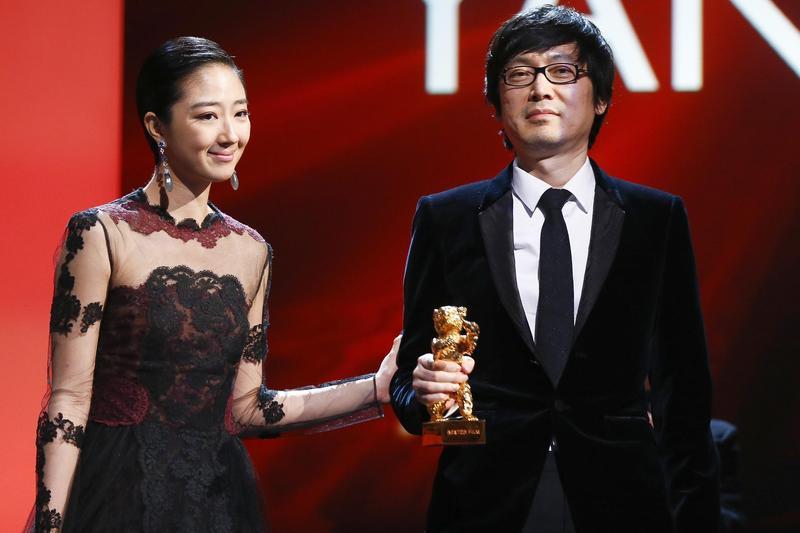 刁亦男(右)曾與桂綸鎂合作《白日焰火》,影片拿下柏林影展金熊獎之後,繼續合作新作《南方車站的聚會》。(東方IC)