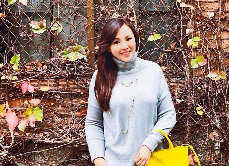 瀞涵在擔任購物專家前,曾加入modle經紀公司。(翻攝自Christine Ku臉書)