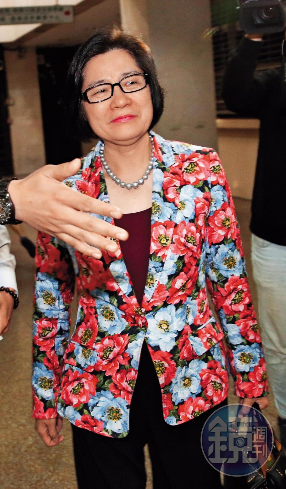 昔有股市金釵之稱的誠美材副董葉美麗(圖),利用子公司茂豐資金大買她擔任大股東的郡宏光電股票,涉及關係人交易。