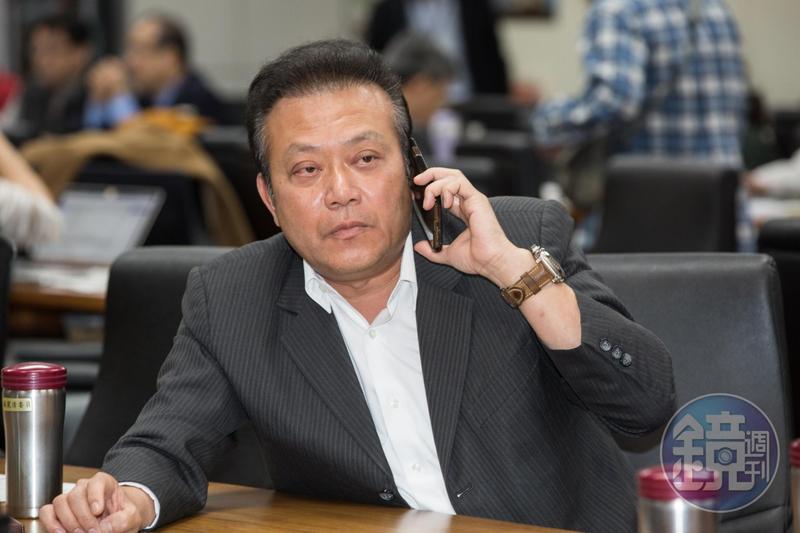蘇震清捲入誠美材掏空案,他向本刊表示沒有涉及不法,改天真相就會清楚。