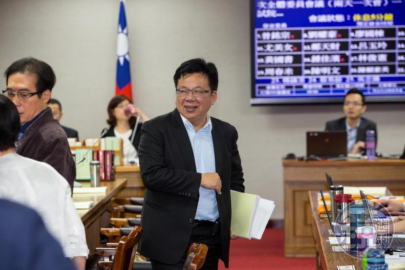 民進黨嘉義市立委初選李俊俋爆冷出局。