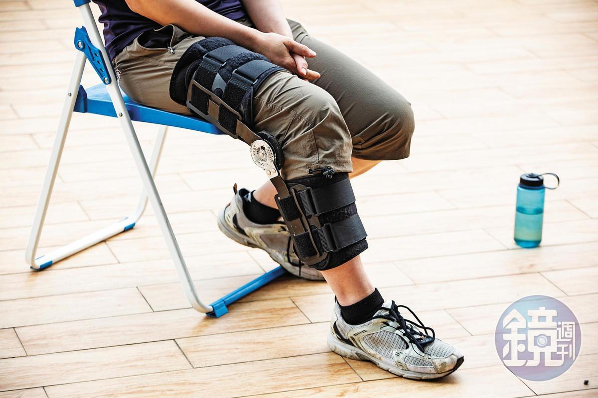今年3月初,陳雅得前往日本攀冰,遭遇小型雪崩,造成右腿內側副韌帶拉傷。