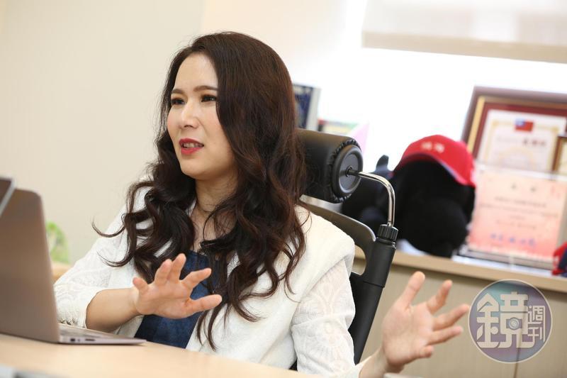 永齡基金會執行長劉宥彤認為郭董選總統絕對是玩真的。