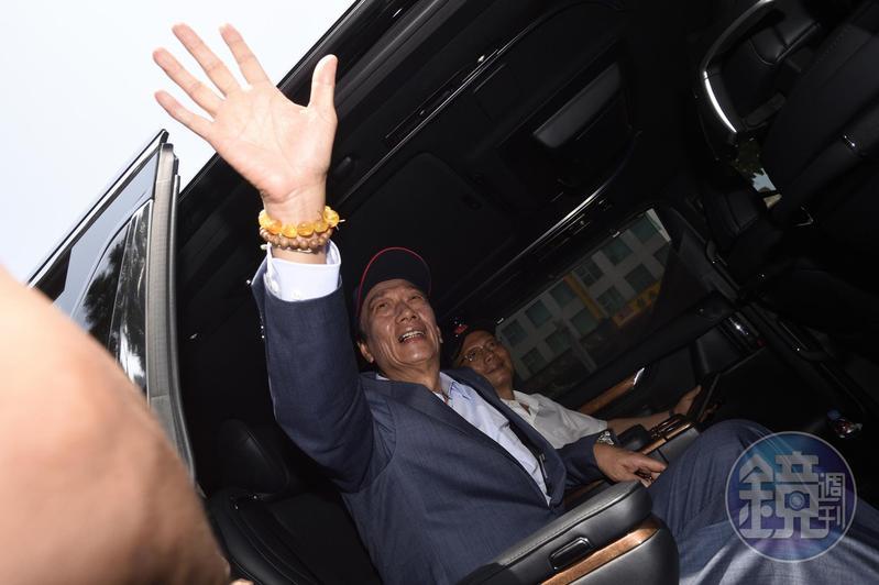 鴻海集團董事長郭台銘選總統玩真的,今傳初將在6月交棒。