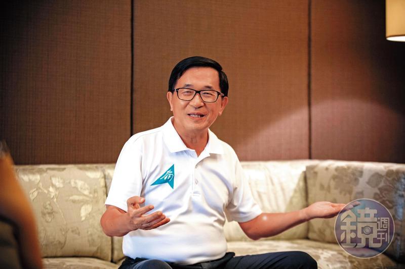 前總統陳水扁保外就醫4年多,不僅四處趴趴走、辦募款餐會,還成立臉書粉絲團大談政治,病況明顯轉好,可以為自己辯護的模樣,已成為扁案重啟審判的重要依據。