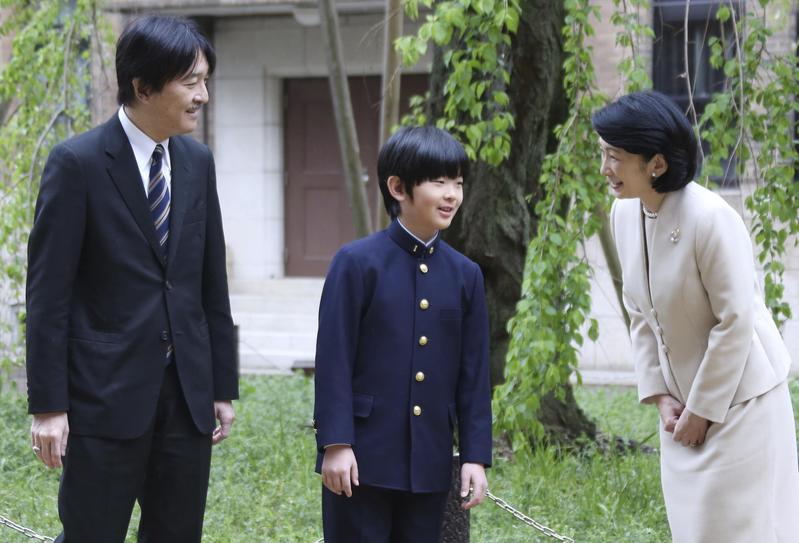 剛升上中學一年級的悠仁,目前皇位繼承順序排名第二,被認為是未來最有可能接替德仁的日本皇室成員。 (東方IC)