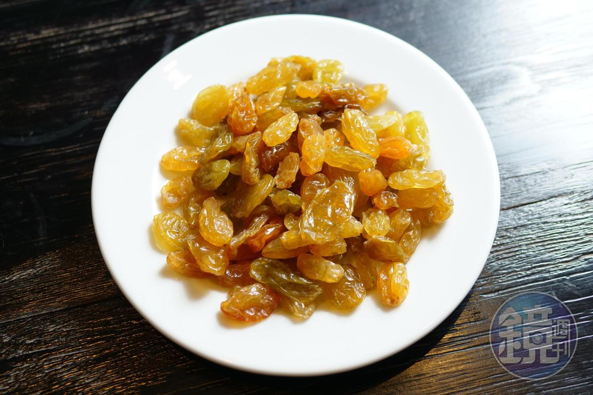 搭配果乾,能強化干邑中的水果甜味。