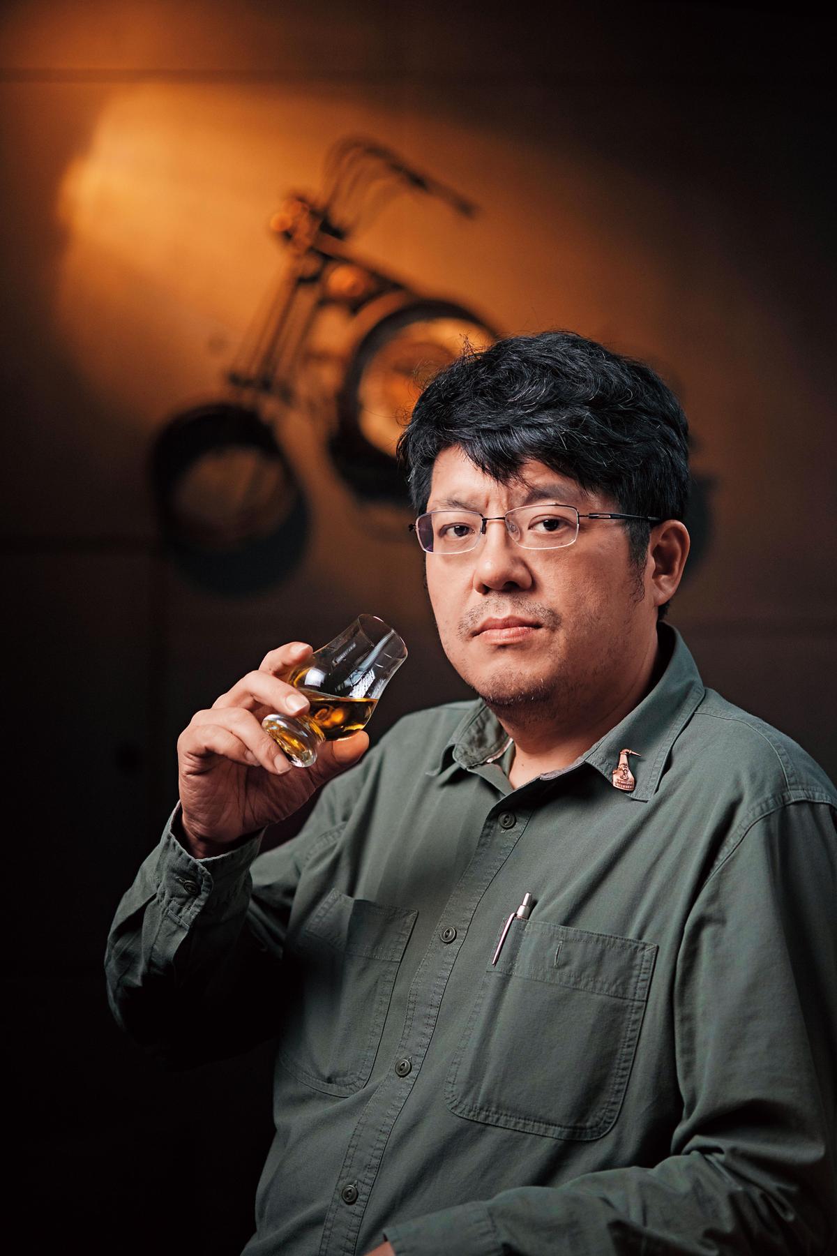 黃文宗Tom 三邊會會長、台灣單一麥芽威士忌品酒研究社社員,威士忌品飲資歷27年。