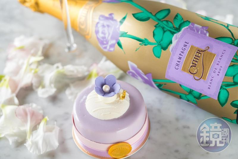 香檳「Cattier, Les Roses Brut, Blanc de Blancs」(亞舍,3,800元/瓶)激發出蛋糕「花漾」(250元/份)的茶香,水果香氣先行,再以升揚的茶味拉長尾韻,這記餐酒搭簡直神搭配。
