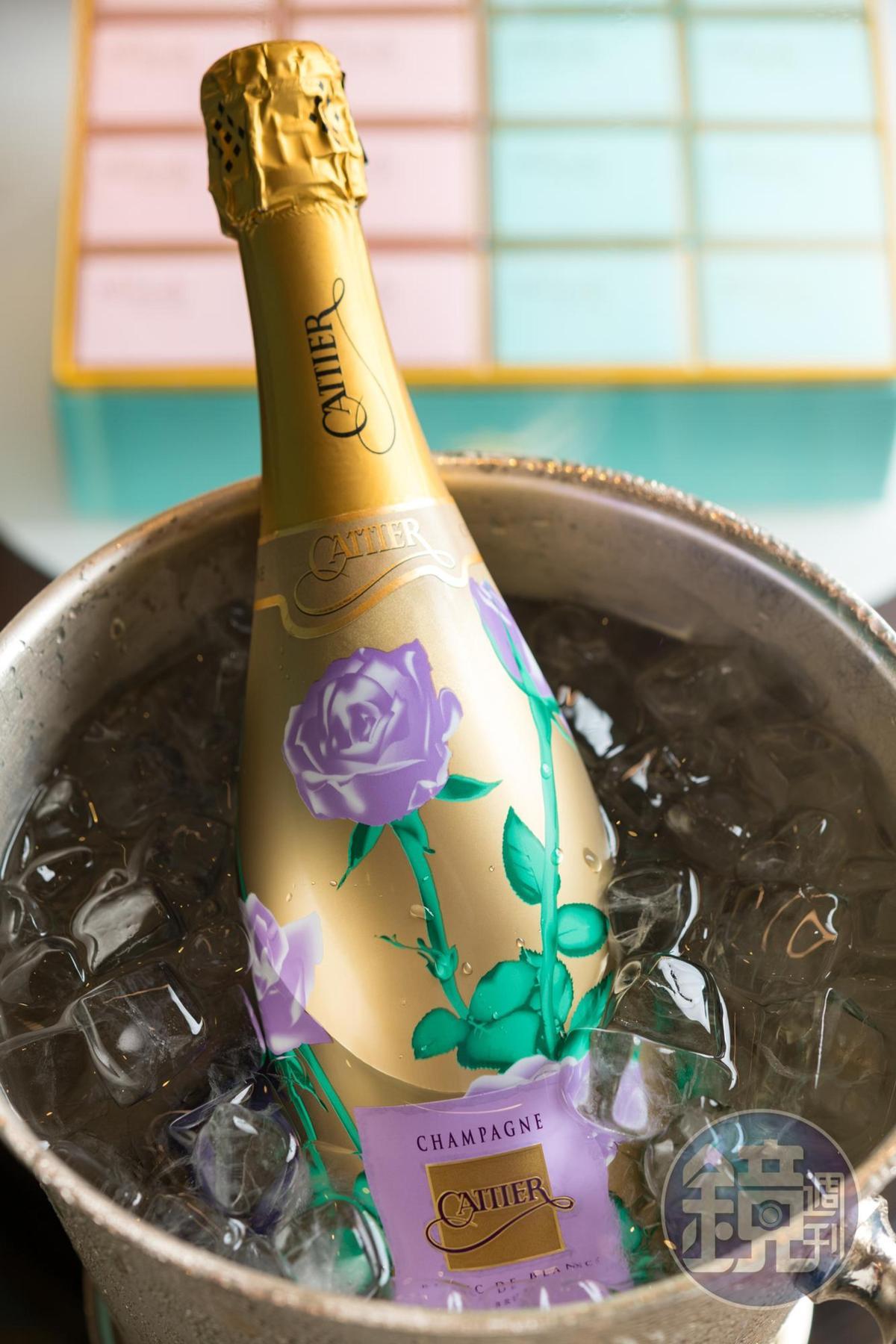 香檳「Cattier, Les Roses, Brut Blanc de Blancs」有檸檬、蜂蜜及熱情的熱帶水果香氣,酒體飽滿。(亞舍,3,800元/瓶)。