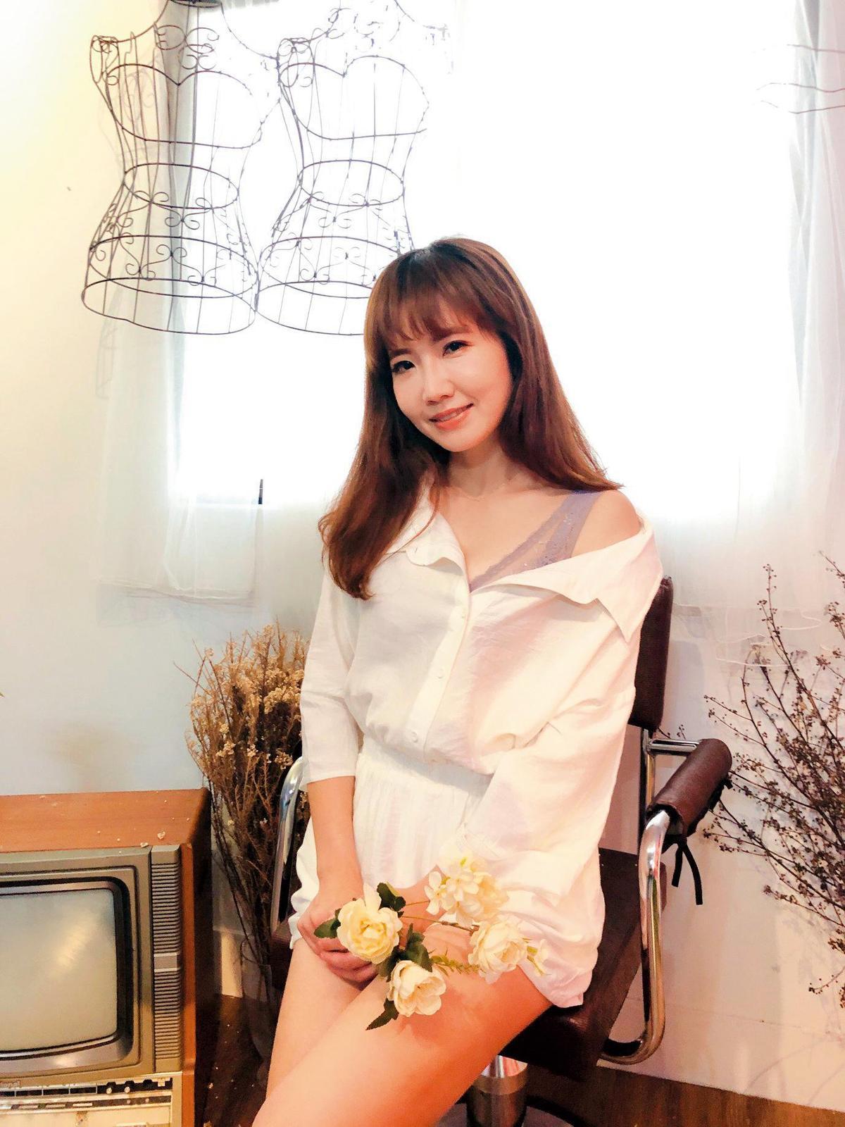 謝忻在台北車站送便當給街友被民眾看到,讓她嚇一跳。(截圖自謝忻臉書)