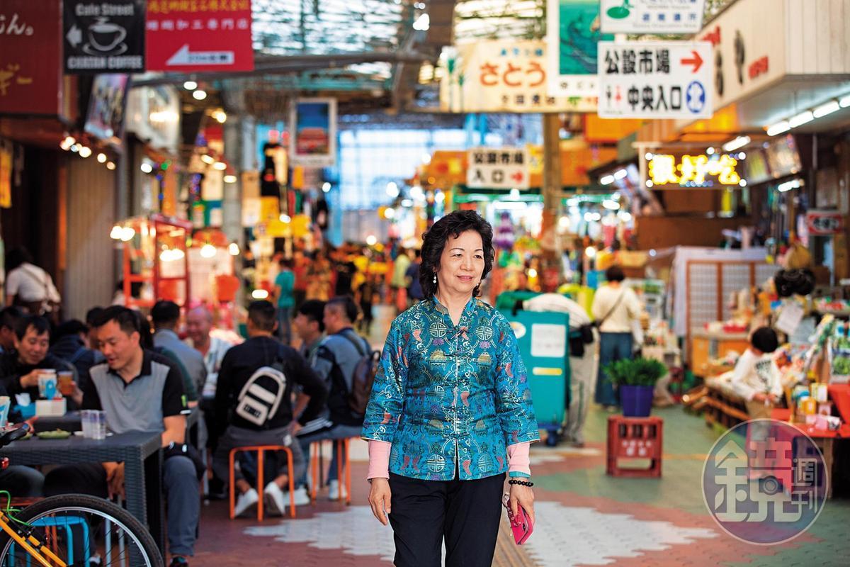 張陳雪貞在第一牧志公設市場打拚逾35年,這裡幾乎成為她的第2個家。