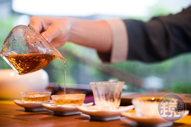 泉月樓的主人特別重視茶藝,四處蒐羅好茶。