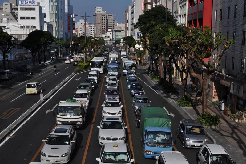 租車自駕遊沖繩的玩法,越來越受到觀光客歡迎。(東方IC)