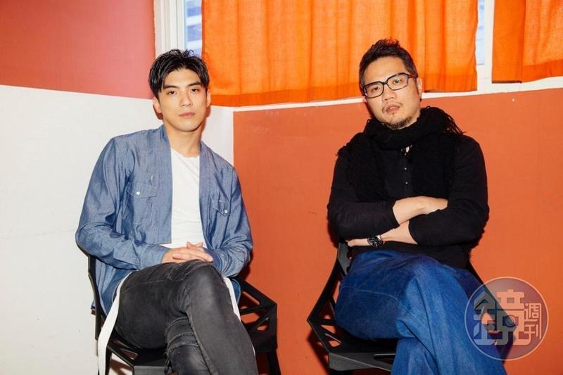導演孫啟明(右)藉由選角演員的集訓群體生活,選出心目中的最佳男主角林哲熹。