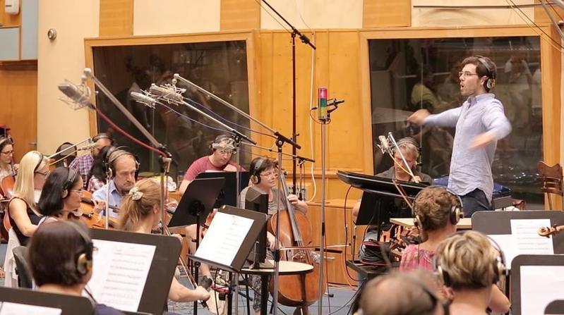 《樂獄》找來美國洛杉磯60人管弦樂團錄製片中每首樂曲。(翻攝自Solo Wang臉書)