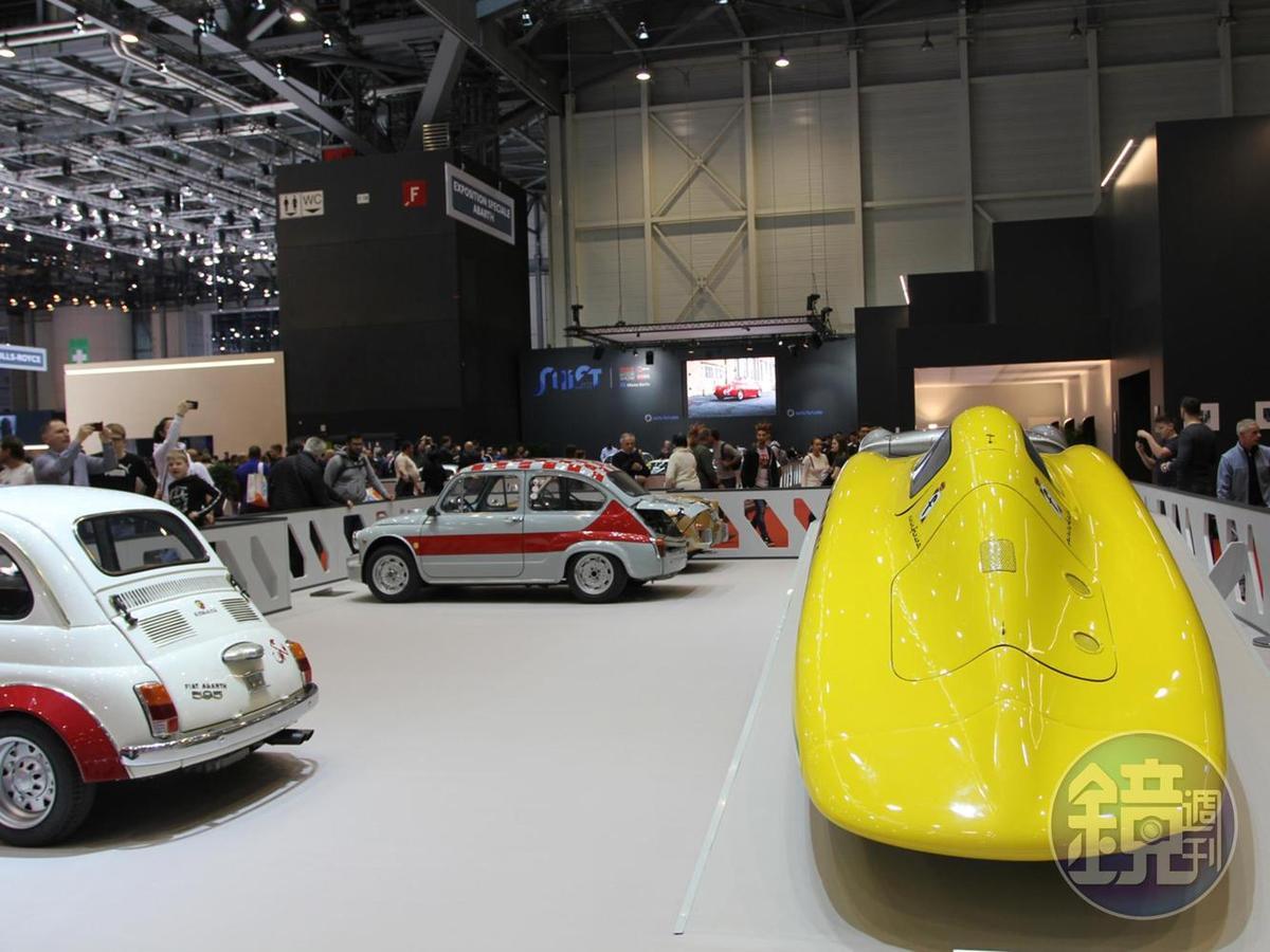 古董車展區的人潮也不會輸給新車,參觀者對於這些老車的歷史與經典故事可說是如數家珍。