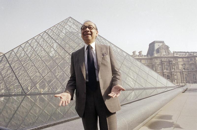 華裔建築大師貝聿銘享壽102歲,他的作品羅浮宮玻璃金字塔,已成為巴黎最著名的地標之一。(東方IC)