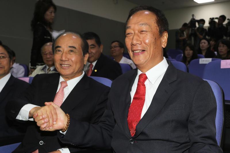 欲角逐國民黨參選人的郭台銘重批韓國瑜發財只出一張嘴,王金平發聲贊同,表示「誠信決定友誼」。(東方IC)