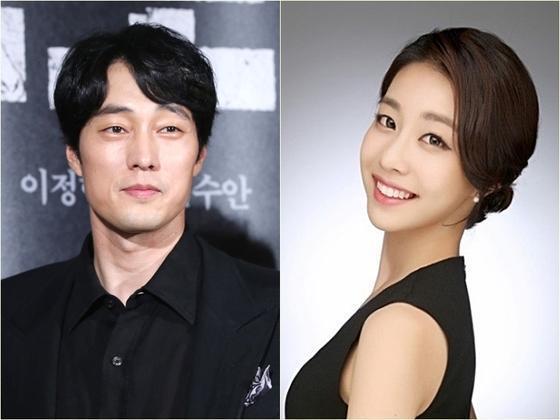 韓國男神蘇志燮被爆出祕戀小17歲女主播,兩人透過電影專訪認識。(翻攝自news1)