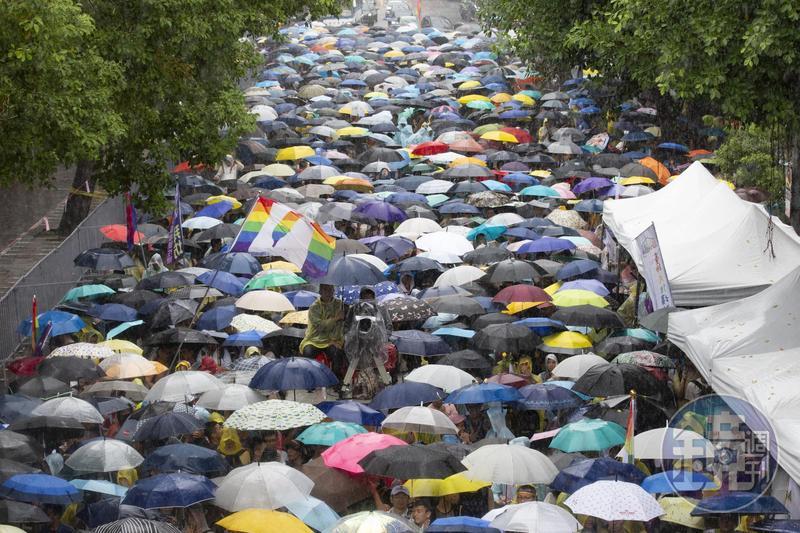 同婚專法三讀通過,蔡英文表示今天是台灣值得驕傲的一天。