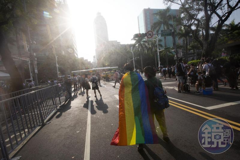 台灣成為亞洲第一個同性婚姻合法化的國家,24日起開放登記,內政部表示公家機關準備好了。